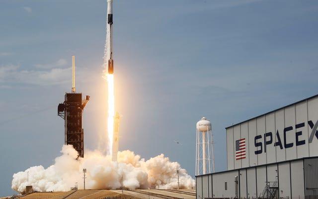 月ゲートウェイの最初の2つの要素を起動するためにNASAによって選択されたSpaceX