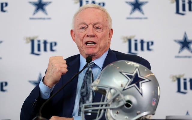 Jerry Jones fait de son mieux La routine `` Hé, récupère-moi ce gars que j'ai vu une fois '' continuera à condamner les Cowboys