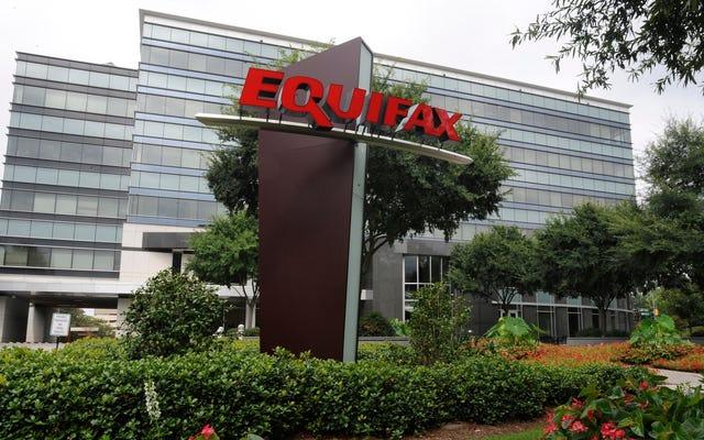 幹部が取引前にハッキングを知らなかったEquifaxは、「徹底的なレビュー」を開始しました