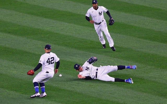 Todo va muy bien en el Bronx, excepto por los fanáticos insensatos y el béisbol de los Yankees que no es muy bueno.