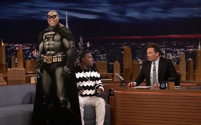 Son OG Tracy Morgan, The Tonight Show'da eski dostu Jimmy Fallon'a kendi siyah süper kahraman filmini sunuyor