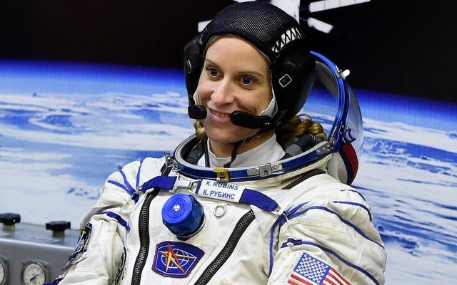 彼女は宇宙から投票しているので、Y'allには言い訳がありません