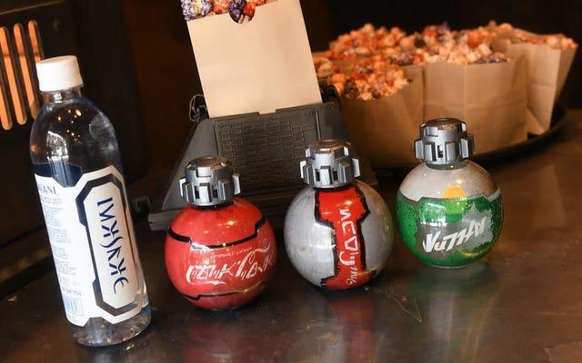 Les États-Unis interdisent de voler avec des sodas exclusifs des parcs à thème Star Wars parce qu'ils ressemblent à des bombes