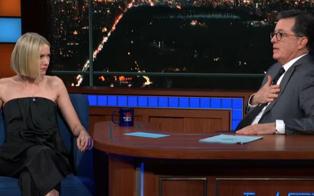 Dans The Late Show, Naomi Watts montre ses pipes de reine des cris, reste maman sur le prequel de Game Of Thrones