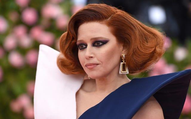 Natasha Lyonne a-t-elle fumé toutes ces cigarettes dans la salle de bain du Met?