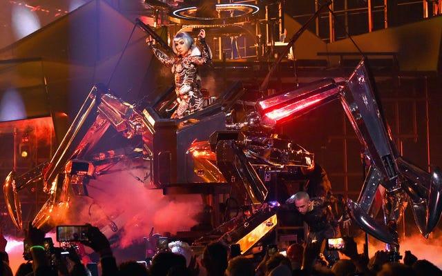 Lady Gaga memiliki robot raksasa sekarang, jika Anda khawatir menjadi bintang film mungkin akan mengubahnya