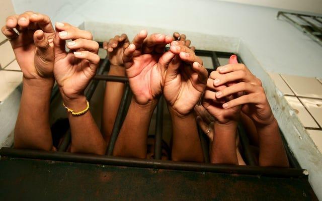 LA郡は、少年拘禁システムを見直し、罰よりも「ケアファースト」を優先するように動きました