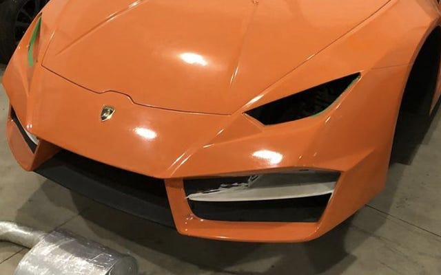 Une boutique de contrefaçon démolie pour avoir fabriqué de fausses Ferrari et Lamborghini au Brésil