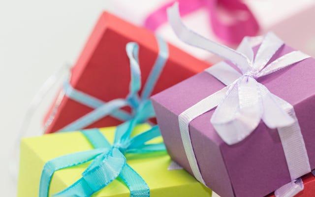 子供たちに誕生日パーティーでプレゼントをもらおう