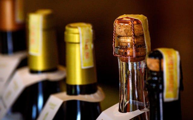Gli esperti di salute dicono che il limite di alcol per gli uomini dovrebbe essere un drink al giorno