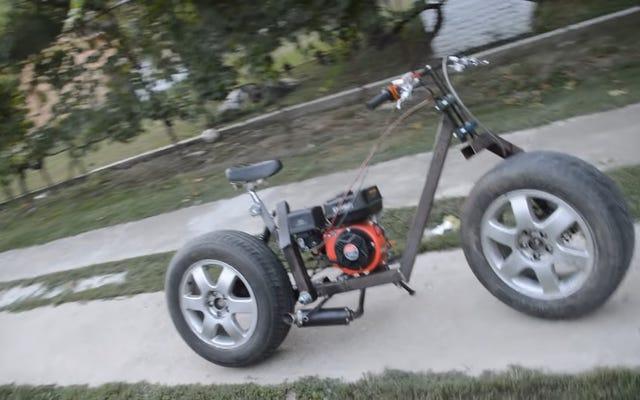 ガレージの周りにあるスクラップからオートバイを作る