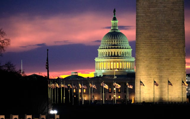 上院議員は、ユーザーをだますために使用する「ダークパターン」の巨大なプラットフォームを停止する法案を導入します