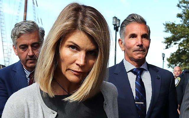 Lori Loughlin và Mossimo Giannulli bị kết án trong trường hợp gian lận tuyển sinh đại học