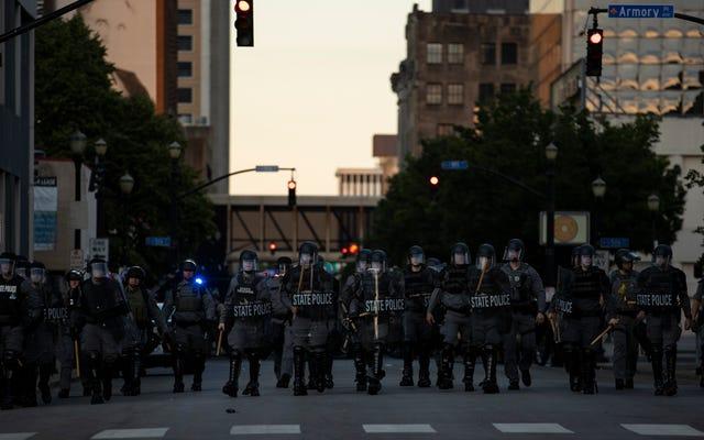 Un homme meurt après avoir été abattu par la police de Louisville et la garde nationale à la suite de la 4e nuit de manifestations