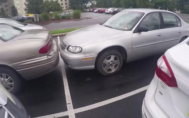 Cada estacionamiento estadounidense tiene al menos un automóvil terriblemente inseguro