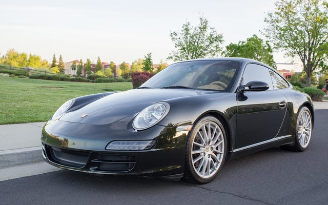 A $ 22,900, ¿podría este Porsche 911 2005 'No una reina del garaje' hacerte sentir como la realeza?