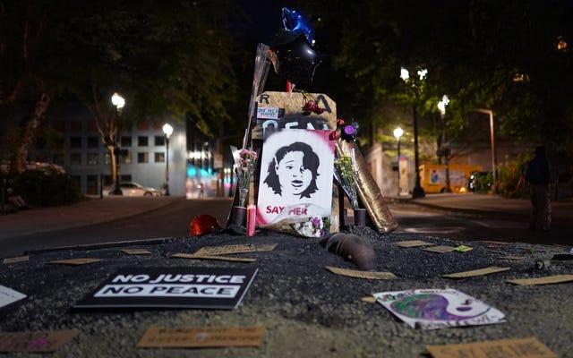 Polisin Kadınlara Yönelik Ölümcül Vuruşları Hakkında Rapor, Kolluk Kuvvetleri Tarafından Orantısız Şekilde Öldürülen Siyah Kadınları Buldu