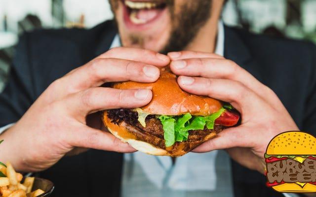 Éponger les garnitures humides avant de les mettre sur votre hamburger