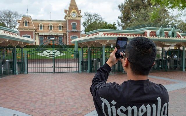 Taman Hiburan California Mungkin Mulai Dibuka Kembali paling cepat 1 April [Dikoreksi]