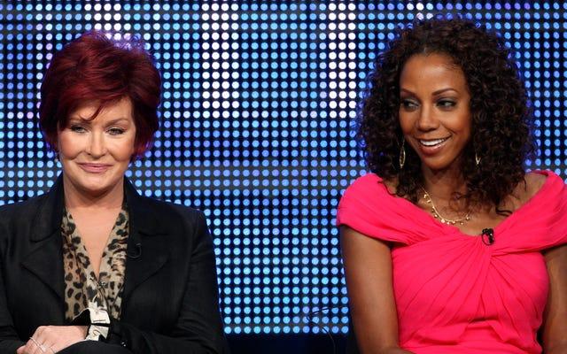 """전 The Talk 진행자 Holly Robinson Peete는 Sharon Osbourne이 자신이 너무 """"게토""""라고 불평했다고 말했습니다."""