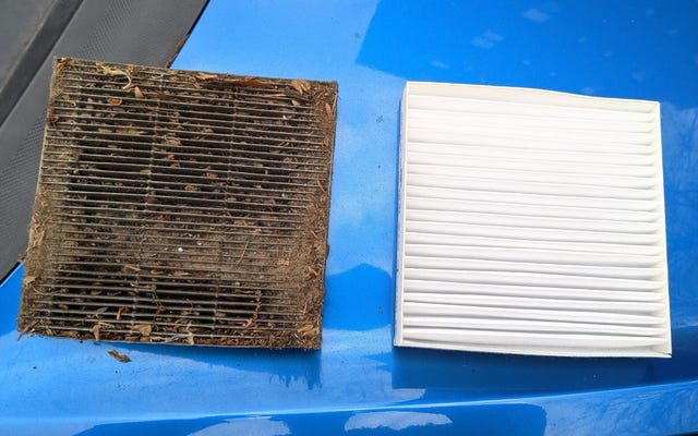 Alla fine ho cambiato il filtro dell'aria dell'abitacolo della mia macchina ed era solo la cosa più sporca
