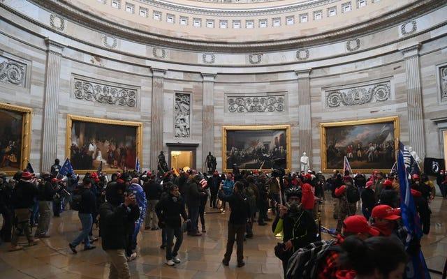 अगर कैपिटल जनता के लिए बंद है, तो कुछ रिपब्लिकन कांग्रेस के सदस्यों ने विद्रोह से पहले पर्यटन दिवस क्यों दिया?