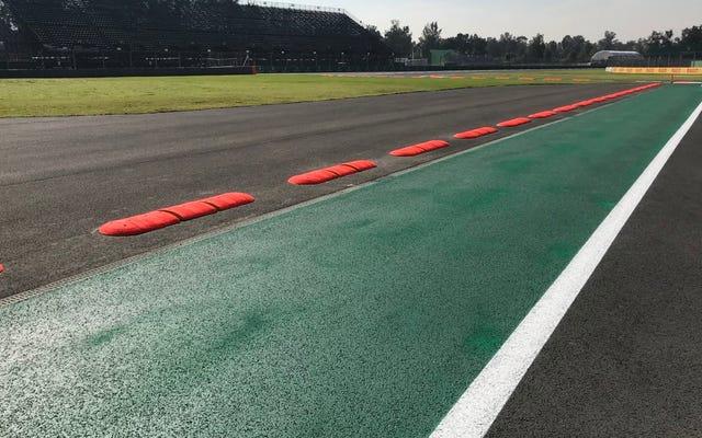 F1は、ドライバーが角を曲がらないようにするために、メキシコに自動車を壊す縁石を設置します
