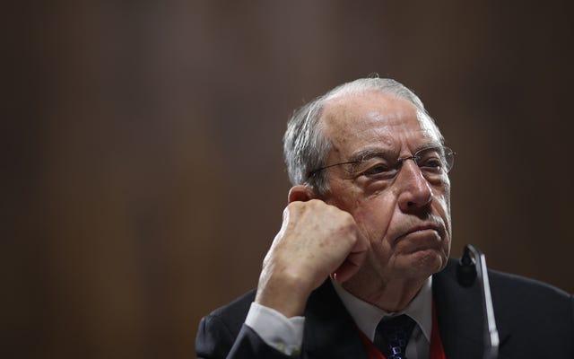上院議員は、SafeSportの利益相反が悪化していることにどれほど満足しているかを自慢している
