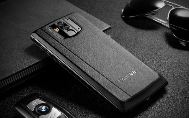 あなたが実際にポケットに滑り込むことができる巨大なバッテリーを備えたスマートフォン