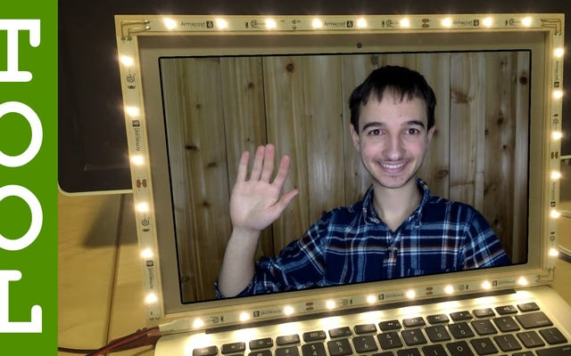 Idealnie oświetl swoje czaty wideo za pomocą tej DIY LED ramki do laptopa