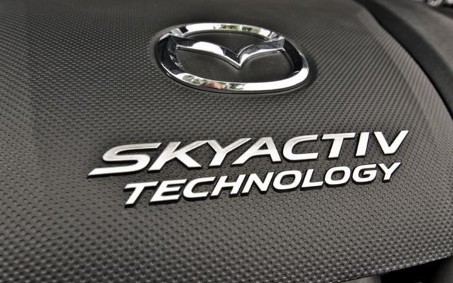 Il prossimo motore di accensione a compressione Skyactiv-X di Mazda promette un'economia di carburante simile a quella di un diesel