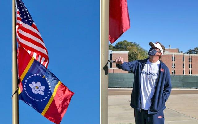 La nueva bandera del estado finalmente vuela sobre Ole Miss meses después de la presión de la SEC y la NCAA