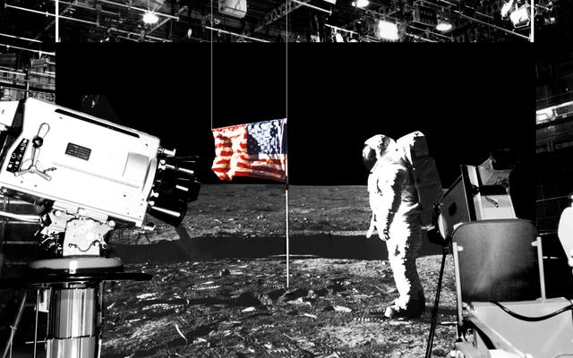 冗談がどのようにして最大かつ最もばかげた陰謀論に変わったか:月の着陸は嘘だった