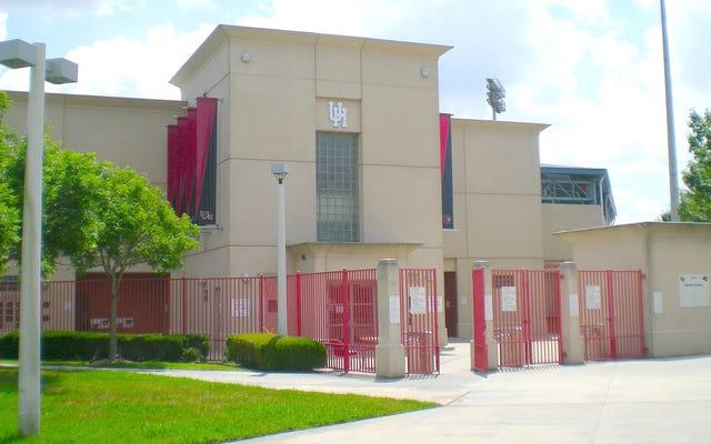 レポート:ヒューストンはボンとポーズをとった後、MLBの見通しを却下し、チームメイトと戦った