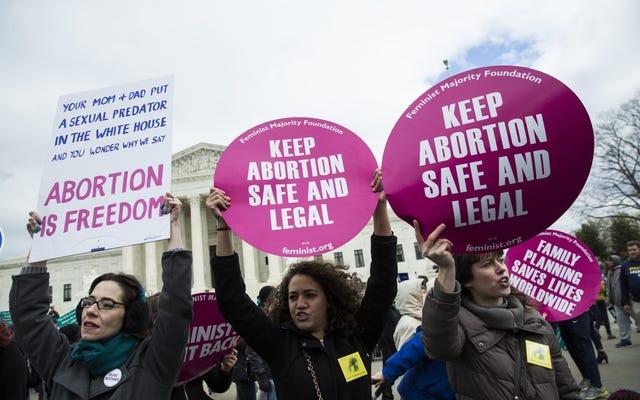 コートハンガーの中絶は新しい共和党法案の導入で復活している