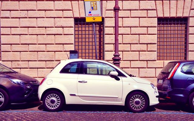 La strada giusta per parcheggiare in parallelo, passo dopo passo