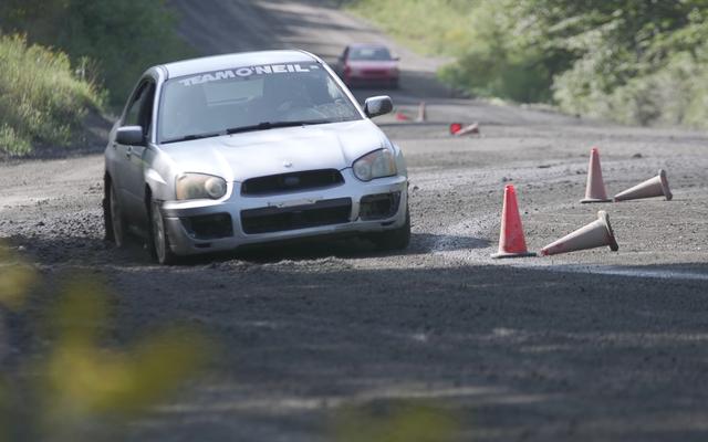 Por qué el frenado en pista es una de las habilidades más importantes que puede tener como conductor