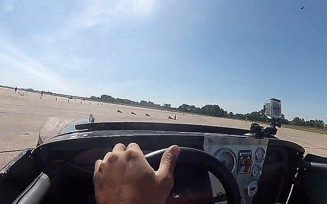 Cone frappe le pilote d'autocross aux championnats nationaux en solo