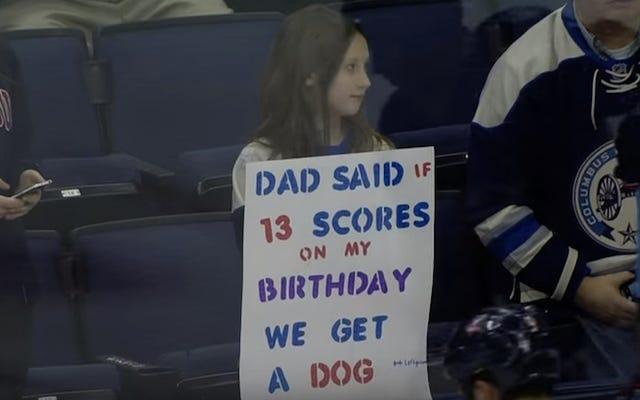Cuando se le pide que marque un gol para que la niña pueda tener un cachorro, Cam Atkinson anota tres