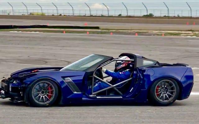 サルベージコルベットZ06をレースカーに変えることはお尻の痛みです