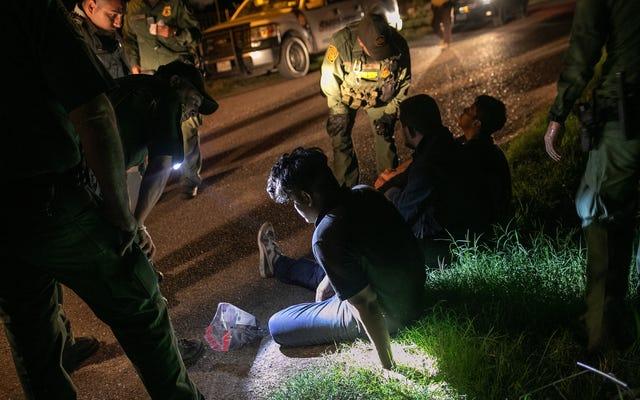 Le règlement du DOJ donne le feu vert pour collecter l'ADN des demandeurs d'asile et des migrants détenus
