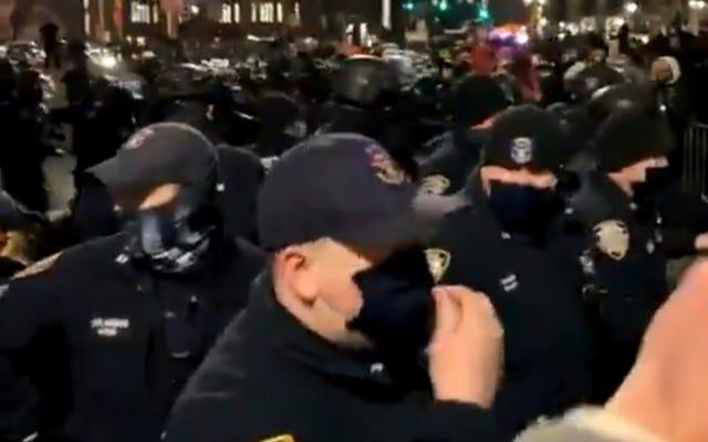 NYPDコミッショナーは、暴力的になったMLKデーマーチで反人種差別の抗議者が「私たちの生き方を破壊しようとしていた」と言います
