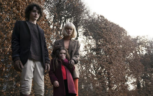 Stranger Things 'Finn Wolfhard Is Scary AF dalam Trailer untuk Gothic Horror Tale The Turning