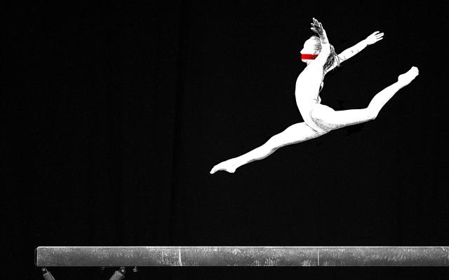 Pendant 20 ans, des gymnastes ont dit que leur médecin les abusait sexuellement, et rien ne s'est passé