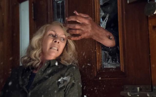 जेमी ली कर्टिस ब्लमहाउस के हैलोवीन के लिए एक नहीं, बल्कि दो और सीक्वेल की वापसी कर रहे हैं