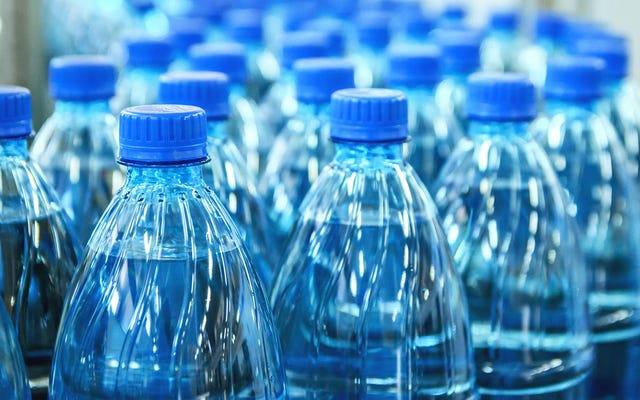 Avantages et inconvénients de l'interdiction de l'eau en bouteille