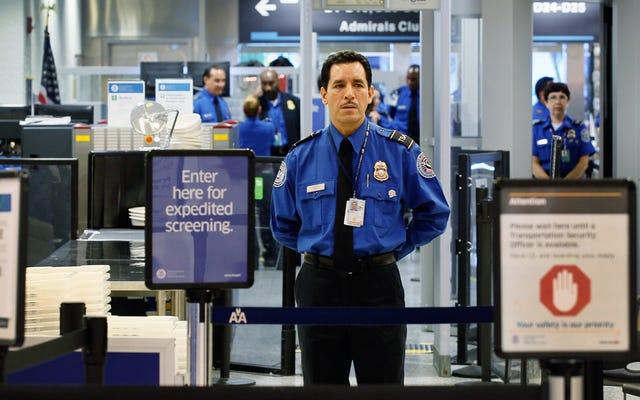 ¿Realmente necesitará una identificación real para volar dentro de los EE. UU.?