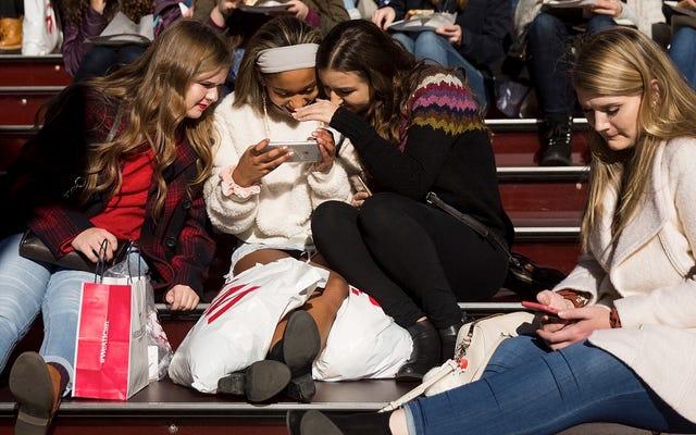 Facebook Secara Resmi Kurang Populer di kalangan Remaja Amerika Dibanding Instagram dan Snapchat