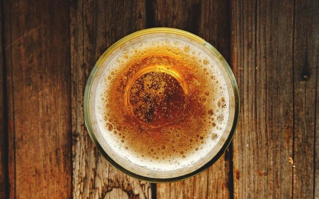 NIHは、ビッグアルコールが資金提供する物議を醸す飲酒研究のプラグを引っ張る