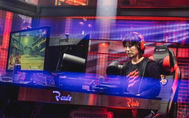 Il nuovo controller di Daigo fa scalpore nella community di Fighting Game [AGGIORNAMENTO]